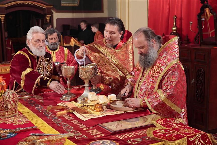 полагают, что епископ душанбинский фото насыщенным